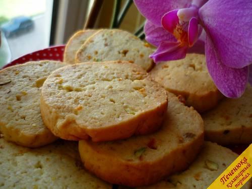 Салат с кальмарами, курицей и фисташками, пошаговый рецепт с фото